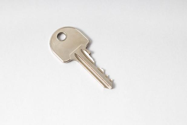 簡易的な鍵を部屋に取り付けたい場合の鍵の設置方法とは